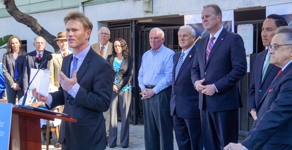 <span>The 1,000 Homeless Veterans Initiative</span><br>New initiative to provide housing opportunities for 1,000 homeless Veterans within one year kicks off with Mayor Kevin Faulconer, City Councilmember Todd Gloria, SDHC CEO Rick Gentry, and partners. Read the news release 2.3.16